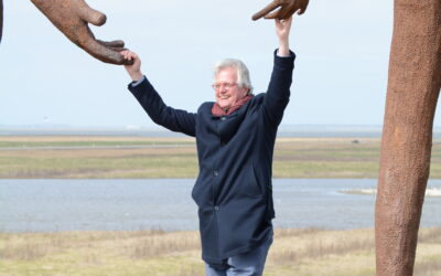 Deltacommissaris Peter Glas bezoekt Holwerd aan Zee